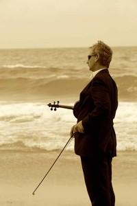 violin player 400x600